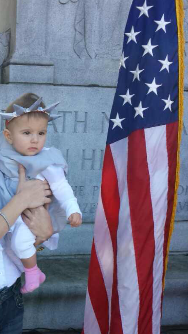 Baby Athena Lambrakis as the Statue of Liberty. Photo by Sonia Mylonas