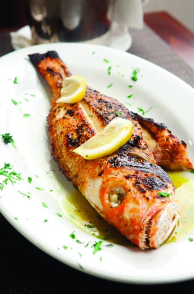 Photo via psari-restaurant.com / Website
