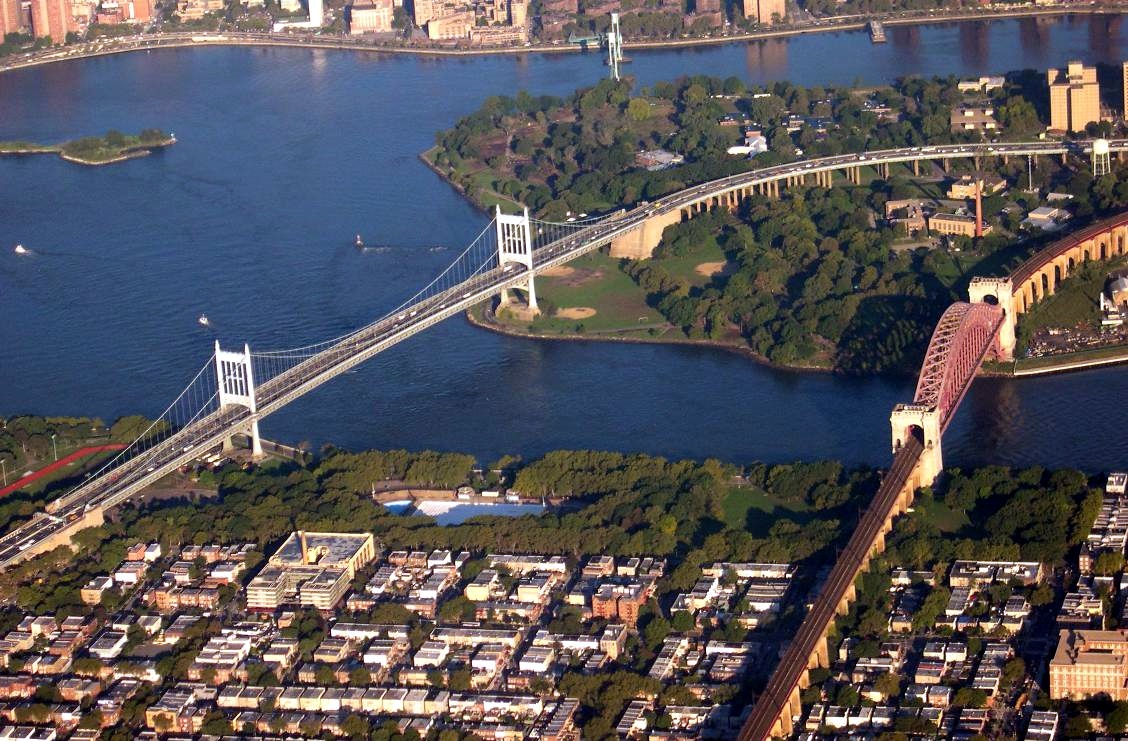 Hell_Gate_and_Triborough_Bridges_New_York_City_Queens.jpg